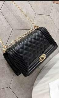 🚚 Quilted Handbag