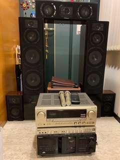CROWN 皇冠5.1聲道家庭劇院音箱、擴大機,卡拉ok撥放機(內有400片伴唱CD),2隻無線麥克風