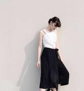 (X)S.M.L Black Crop Top Size M (fit to S)
