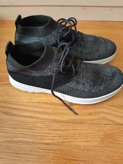 Sneakers size 8 - used once