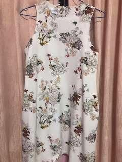🚚 ACW Anticlockwise floral dress