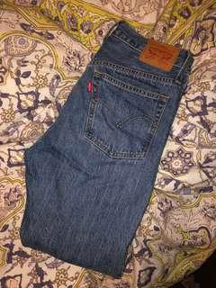 501 Denim Levi's sz 27 **like new** aritzia