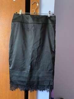 Review Black Pencil Skirt