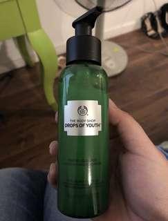 Body Shop Drops of Youth Liquid Peel