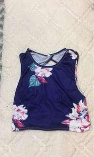 Blue floral fashion nova top (med)