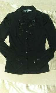 Black long-sleeved polo blouse