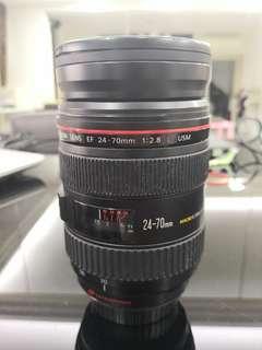 Canon 24-70mm F 2.8
