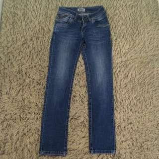 Celana Panjang Jeans Lois
