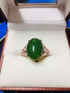 🚚 翠綠玉戒指