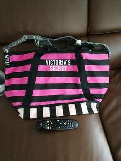 🚚 Victoria Secret tote Bag