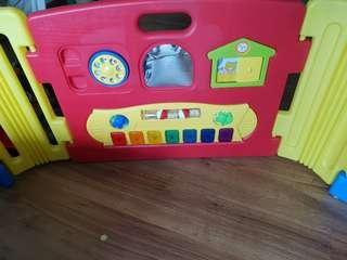 🚚 2 sets of Haenim Play Yard music in working condition
