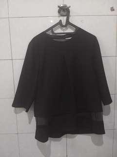 Black top baju kantor