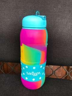 Bottle Smiggle rubber rainbow