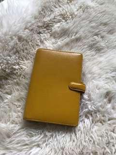🚚 Personal yellow finsbury Filofax binder