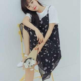 🚚 Navy Floral Dress