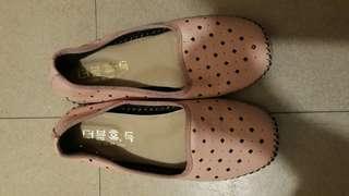 Taiwan pink slip ons