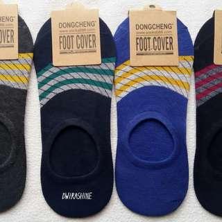 Kaos kaki bawah mata kaki