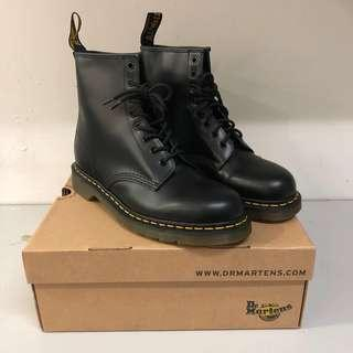 88d3854c238 (New) Dr Martens 1460 Black Noir smooth.