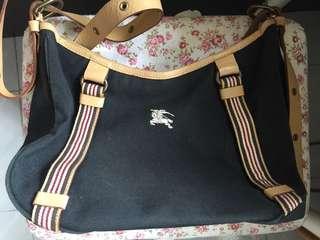 Burberry 斜揹袋