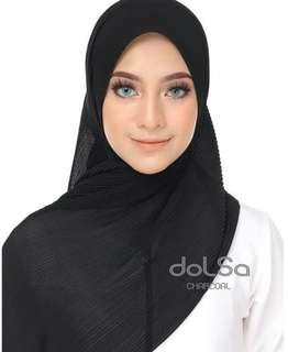 Dolsa Premium Pleated Scarf in Black