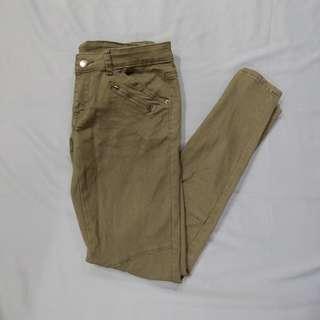 🚚 [二手] Net 軍綠 造型 窄管褲