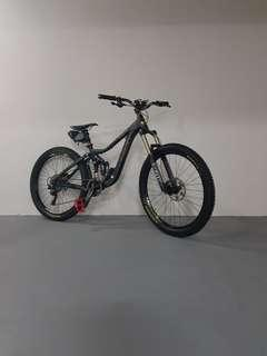 (CLEARANCE)HOPE M4 BRAKES , FULL XTR , HOPE/ZTR,FOX💯% race-ready GIANT REIGN A/M BIKE (FULLY UPGRADED WORTH ARD $6000)