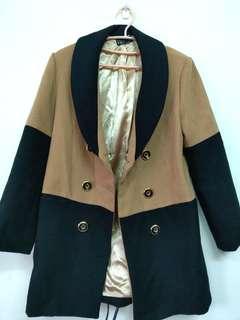 🚚 雙色設計感大衣