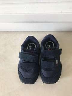 Sepatu PUMA untuk bayi masih baru dijamin asli