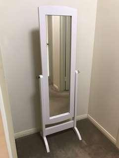 White Antique Standing Mirror