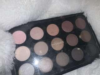 Mac eyeshadow palette in cool neutral