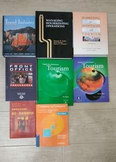 旅遊課程課本