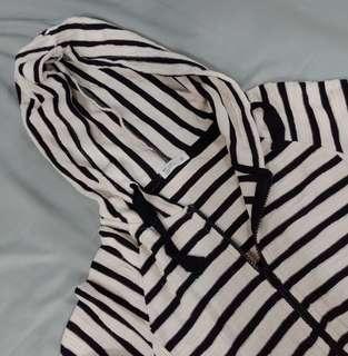 🚚 [全新] Net 黑白 連帽條紋外套