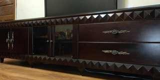 【木工•訂製櫃】 基材:胡桃實木 門板:平光霧黑&強化玻璃