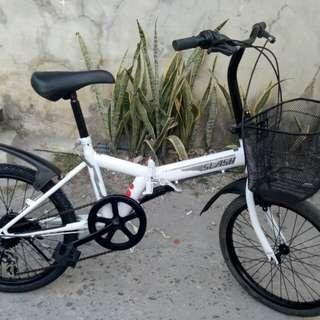 SLASH BLACK AND WHITE FOLDING BIKE FREEDELIVERY OR MEET UP NEGOTIABLE PA!