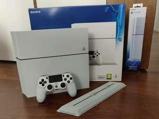 PS4 500GB White + 4 Games