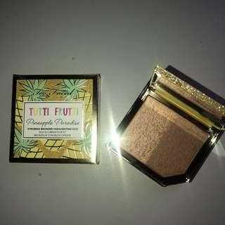 Too Faced Bronzer Highlighting Duo in Pineapple Sun