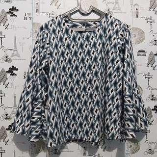Sleeve bell top