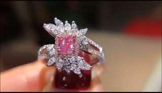 1粉鑽戒指,粉鑽0.22ct,配鑽0.40ct