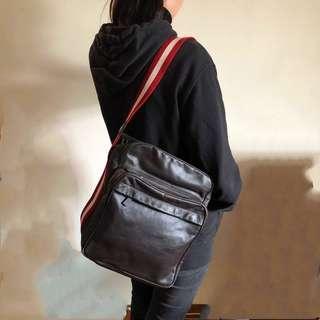 Bally travel shoulder bag