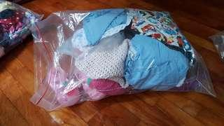 🚚 Bundle of girl clothing (10 to 26 months)