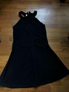🚚 Black Halter Dress