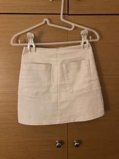 白色短裙 米色