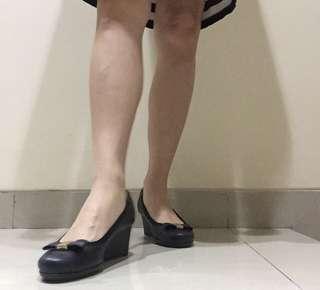 Black Shoez