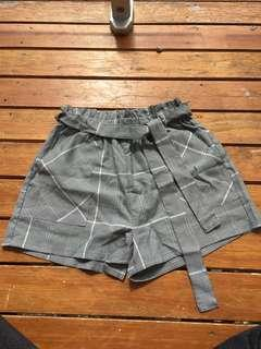 Cotton on gingham shorts
