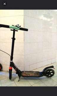 滑板車自動板車走部車$230