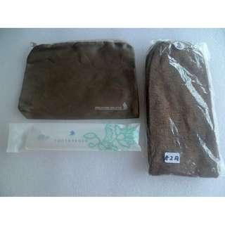 Singapore Airlines Sanitary pouch , Sock & Tooth Brush / paste Amenity Set (#2)