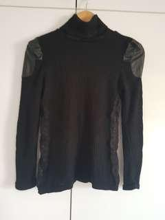 🚚 Blessing Black Knitted Top