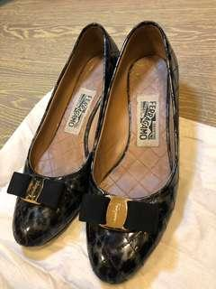 Salvatore Ferragamo Shoes 38 Italy size + Bag