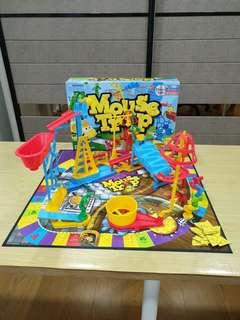 Like new in between x mensa mouse trap board game for kids children hashbro