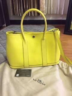 Victoria bag Authentic